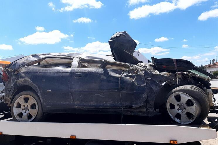 Jovem morre em despiste de carro em Aljustrel. Há um ferido grave