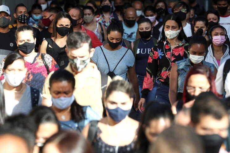 Brasil anuncia primeira vacina nacional contra o coronavírus