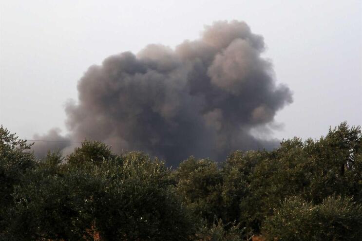 Israel lançou mísseis contra subúrbios de Damasco
