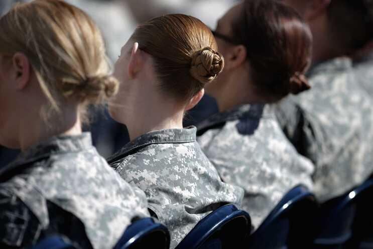 As publicações nas redes sociais em defesa das mulheres das Forças Armadas multiplicaram-se