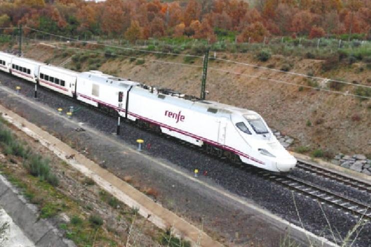 AVE (comboio de alta velocidade) faz Sanábria-Madrid em 1 hora e 50 minutos