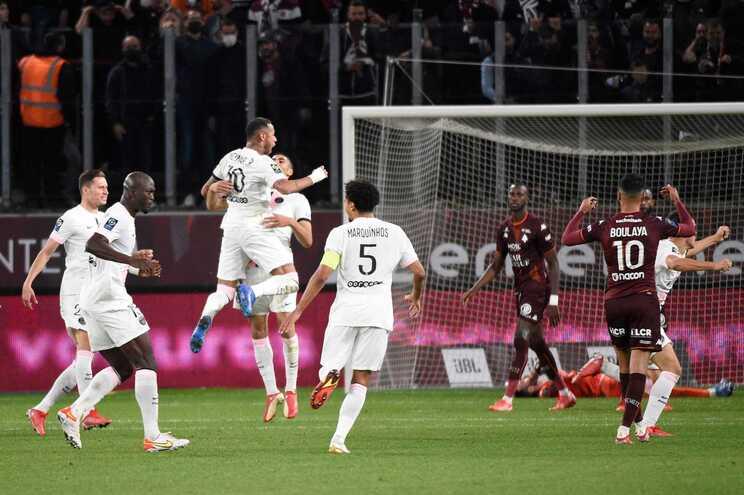PSG venceu fora o Metz