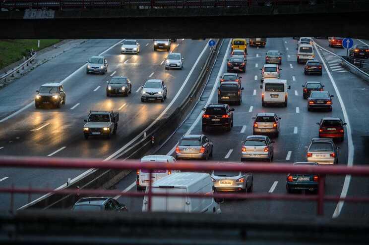 Teletrabalho pode acabar com hora de ponta no trânsito