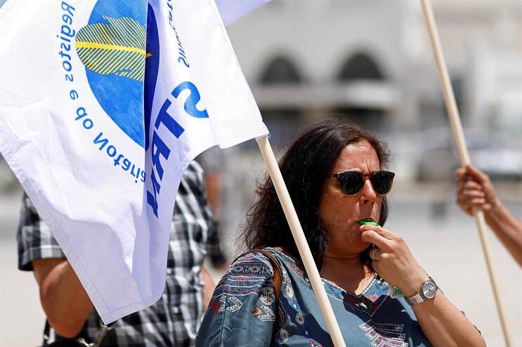 Sindicato dos Registos e Notariado desconvoca greve