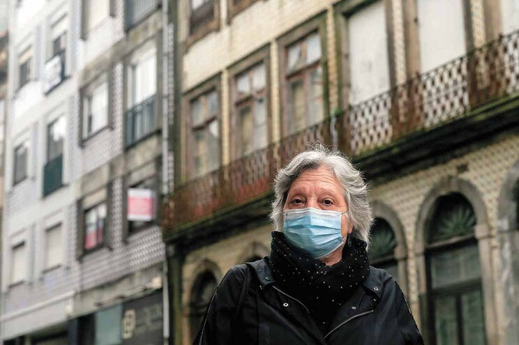 Fernanda Carvalho que tem uma reforma pequena e não consegue arranjar casa decente devido às rendas altas