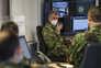 """Militares na sala de operações da """"task force"""""""