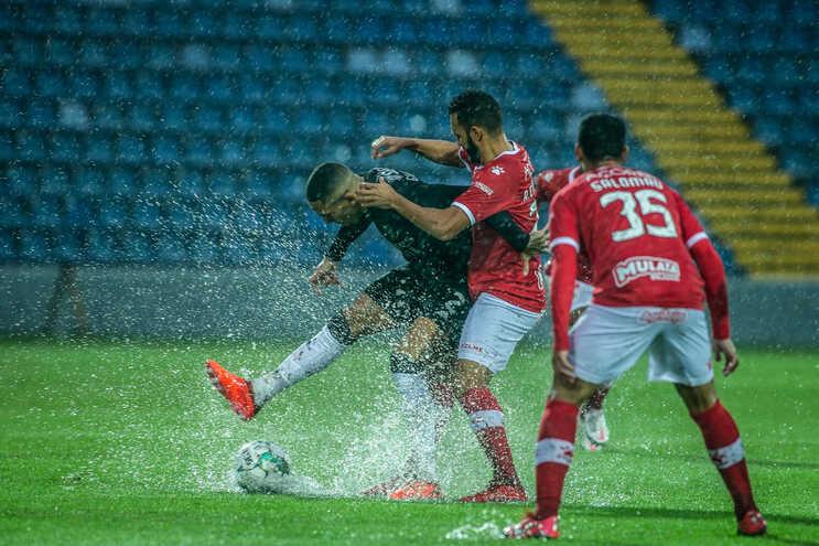 O jogo entre o Santa Clara e o Benfica foi adiado