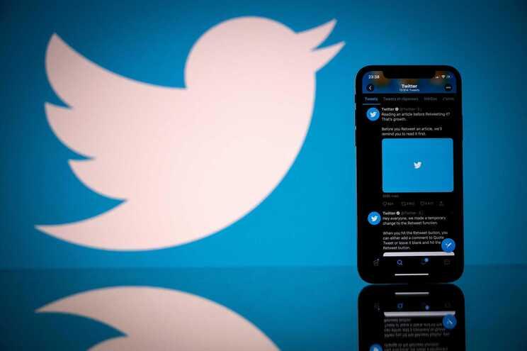 Twitter vai banir utilizadores por desinformação sobre vacinas