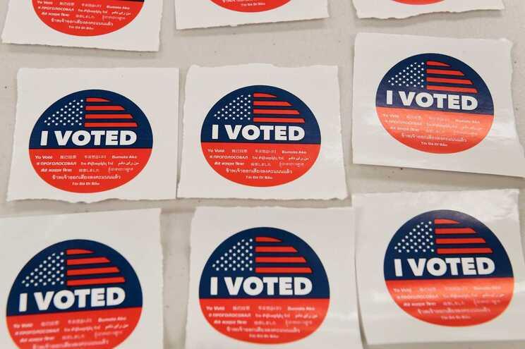 Autocolantes oferecidos a quem já votou
