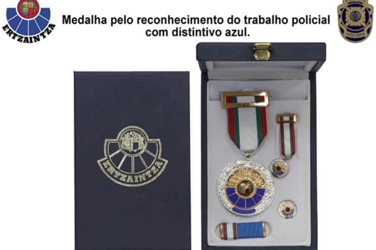 Fernando Viegas foi galardoado com a Medalha pelo Reconhecimento do Trabalho Policial com distintivo