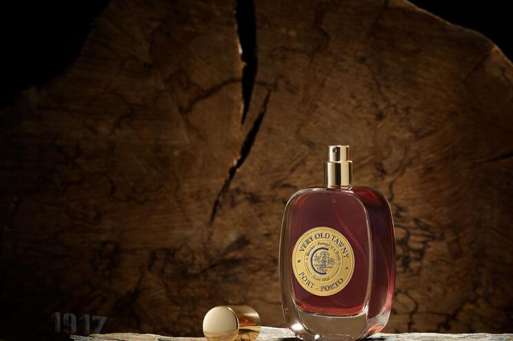 Vinho é comercializado num frasco de perfume