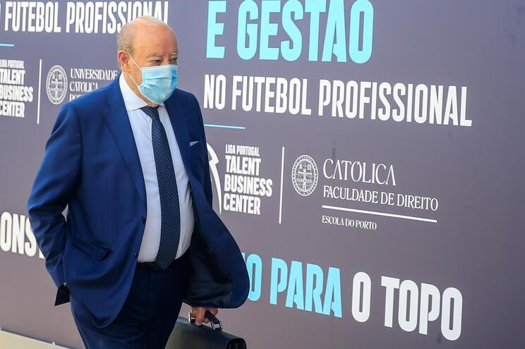 """Pinto da Costa aborda """"perseguição ao futebol"""""""
