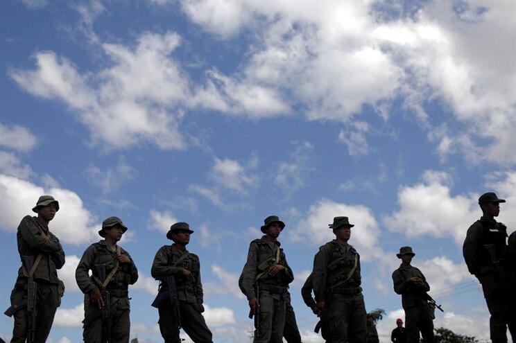 Juan Guaidó tem multiplicado o apelo aos militares venezuelanos