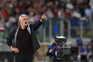 Roma empata com o Nápoles em jogo em Mourinho foi expulso