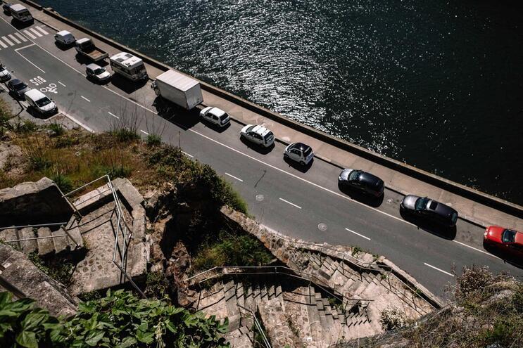 Trânsito entre a Ribeira e o Freixo condicionado aos fins de semana no Porto