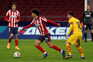Félix leva a melhor sobre Trincão no Atlético Madrid-Barcelona