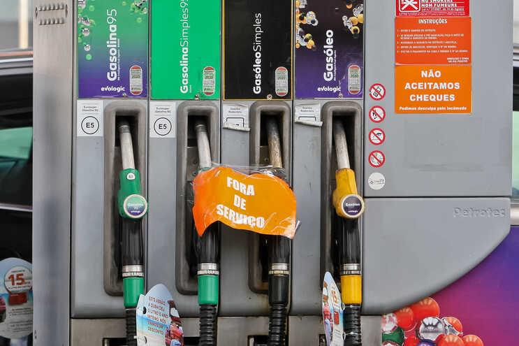 Milhares nas redes pedem greve contra o preço dos combustíveis