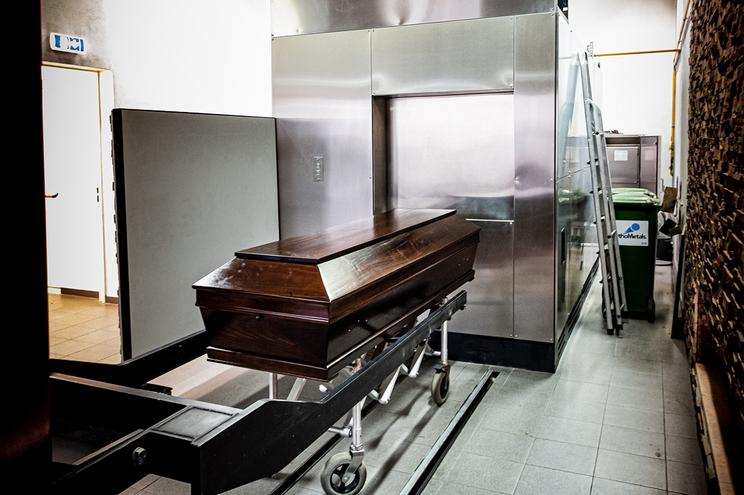 Prazo médio de espera para cremação é de 72 horas em Lisboa e nas restantes localidades de três a cinco