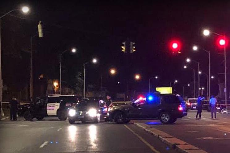 Polícia local referiu ainda que o tiroteio ocorreu numa casa de diversão noturna em South End, em Hartford