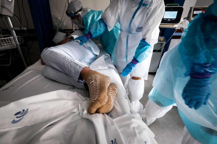 Para tratar doentes covid-19 do SNS unidades privadas disponibilizam 80 camas