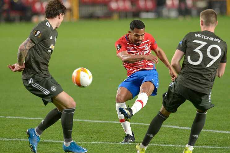 Manchester United venceu, fora, o Granada