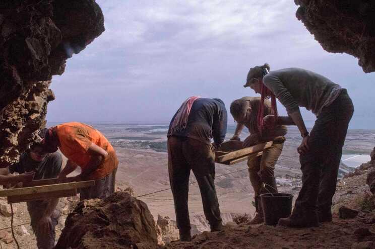 Grande parte dos pergaminhos foi descoberta nas cavernas de Qumran
