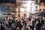 Movida do Porto junta muitos grupos de jovens sem máscara