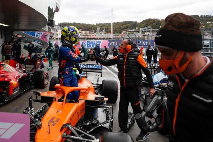 """Lando Norris alcança primeira """"pole"""" na F1 para o GP da Rússia"""