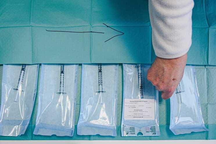 Centros de saúde ainda com dúvidas sobre utentes a vacinar dentro de dias