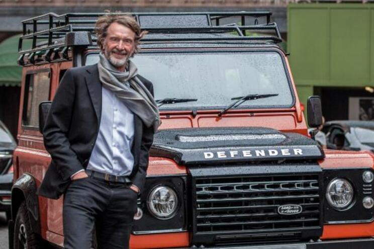 O projeto é baseado no Land Rover Defender e iniciará a produção daqui a dois anos. Jim Ratcliffe, dono