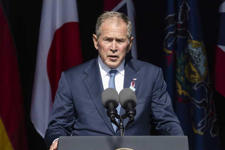 George W. Bush pede luta contra terroristas dentro e fora das fronteiras