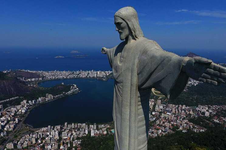 Brasil regista 182 mortos e 9154 casos nas últimas 24 horas