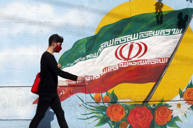 Os EUA retiraram-se do acordo em 2018 e impuseram sanções duras contra o Irão