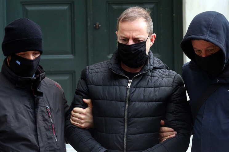 Dimitris Lignadis, ex-diretor do Teatro Nacional grego é acusado pela prática dos crimes