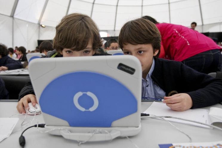 """Empresa dos """"Magalhães"""" pronta a produzir novos computadores"""