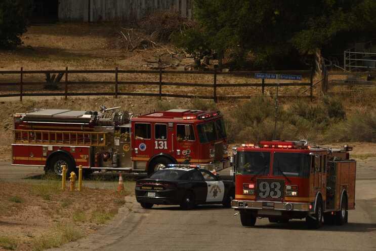 Autoridades da Califórnia disseram que o profissional, fora de serviço, disparou sobre os colegas