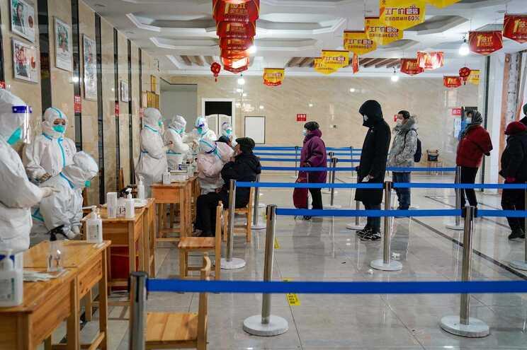China regista primeira morte por covid-19 em oito meses