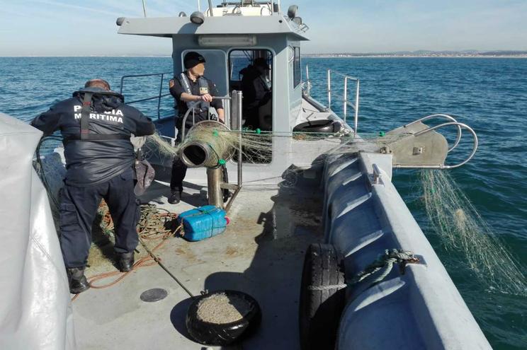 Polícia Marítima apreendeu rede de pesca ilegal