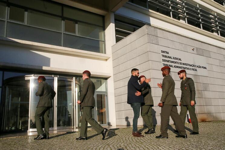 Um dos dois sargentos acusados no passado dia 9 de abril é um dos 19 militares que já estão a ser julgados