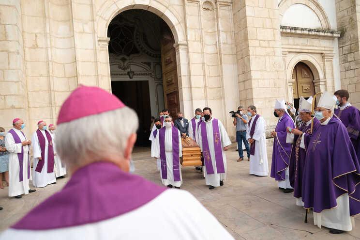 Das dioceses onde são esperadas mudanças, Viana do Castelo é a mais premente, após a morte de D. Anacleto