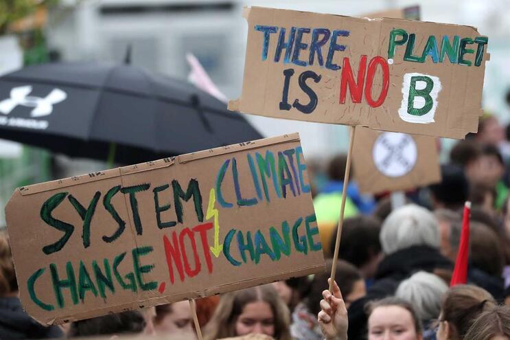 Movimento #FridayForFuture faz greve às sextas-feiras em defesa do clima