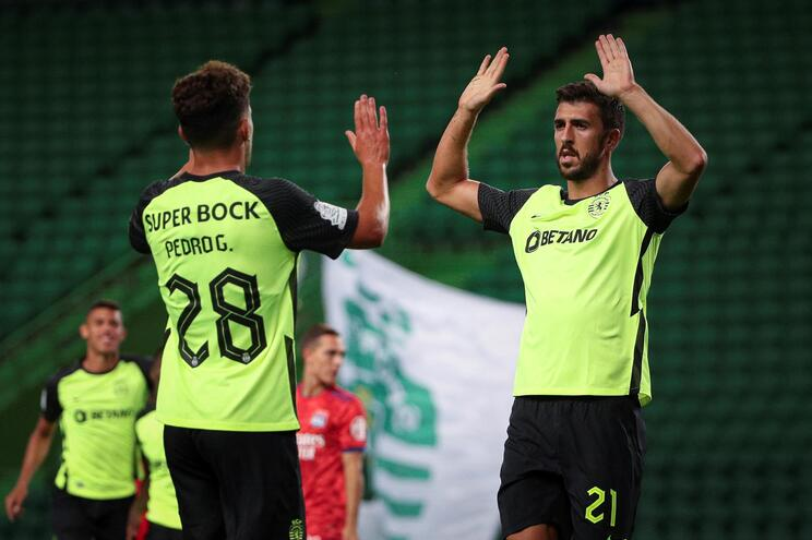 Pedro Gonçalves e Paulinho (2) selaram a vitória do Sporting