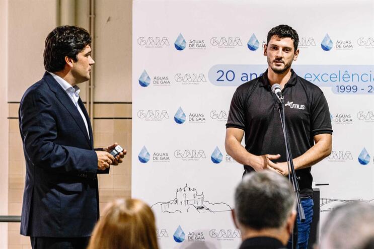 Miguel Lemos (à esquerda),  administrador da empresa Águas de Gaia, e Vitaly Bernshtein (à direita),