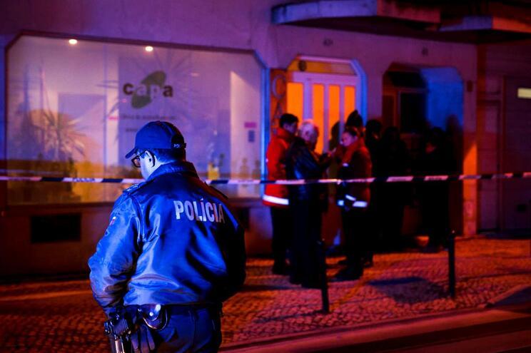 Casal de idosos encontrado morto em casa em Oeiras