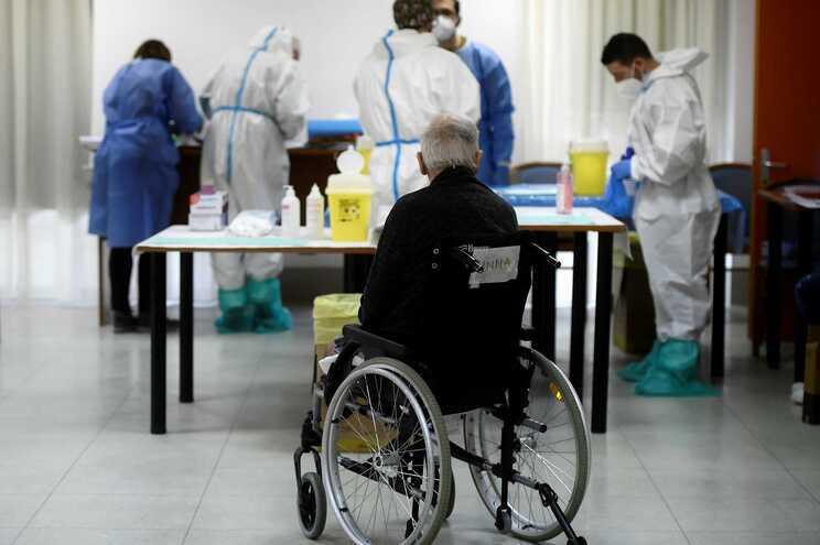 Itália superou esta quinta-feira a barreira das 90 mil mortes associadas à covid-19