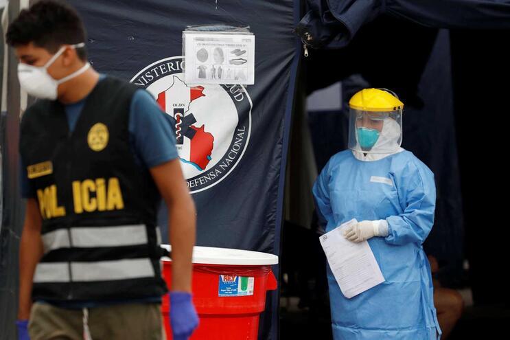 Recém-nascido nasce infetado com Covid-19 no Peru