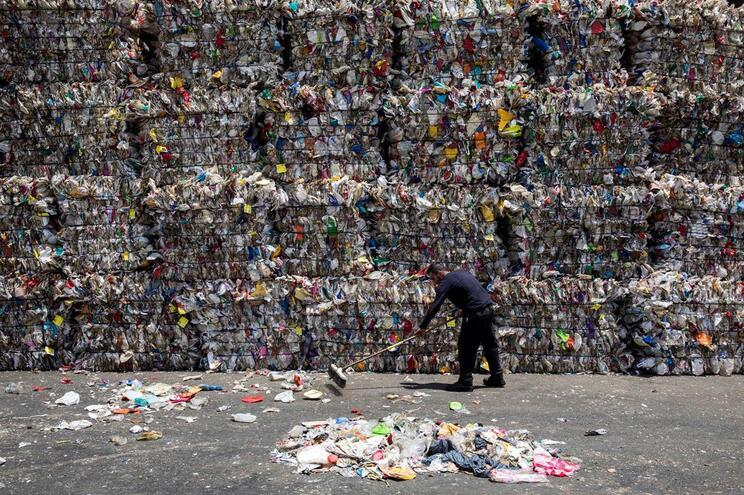 Cada pessoa em Portugal produziu 1,32 quilos de lixo por dia em 2017