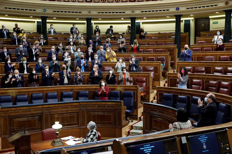 Parlamento espanhol aprova definitivamente a lei da eutanásia