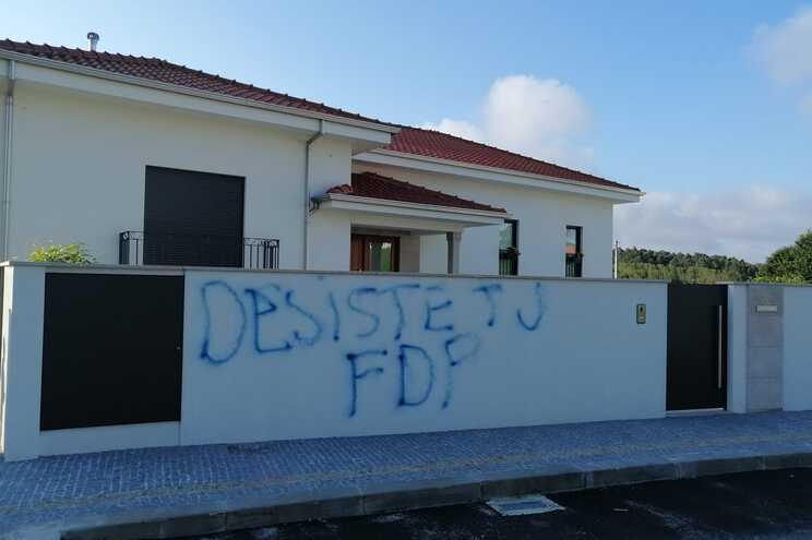 Vandalizada casa de candidato do PS à Junta de São João de Ver