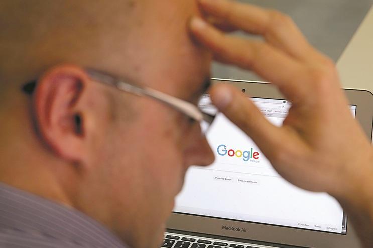 Plataformas como o Google e o Facebook visadas na diretiva europeia